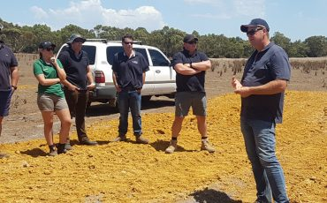 Scott Smith talking to Esperance and Albany RCSN members in February 2020. Photo by Julianne Hill