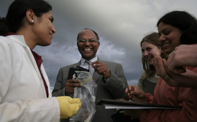 UWA School of Agriculture and Environment Professor Nanthi Bolan with students landscape